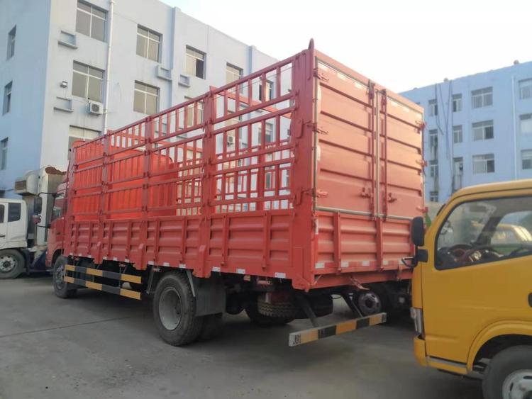 东风6米8高栏货车